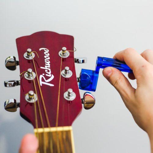 guitare accordeur manuel