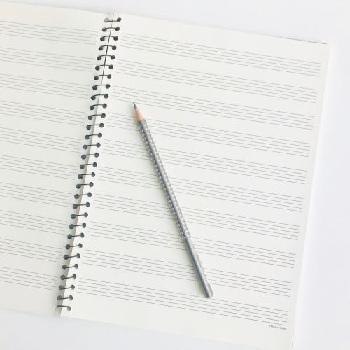 cahier-musique-crayon