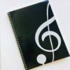 cahier-musique-noir-clé-de-sol